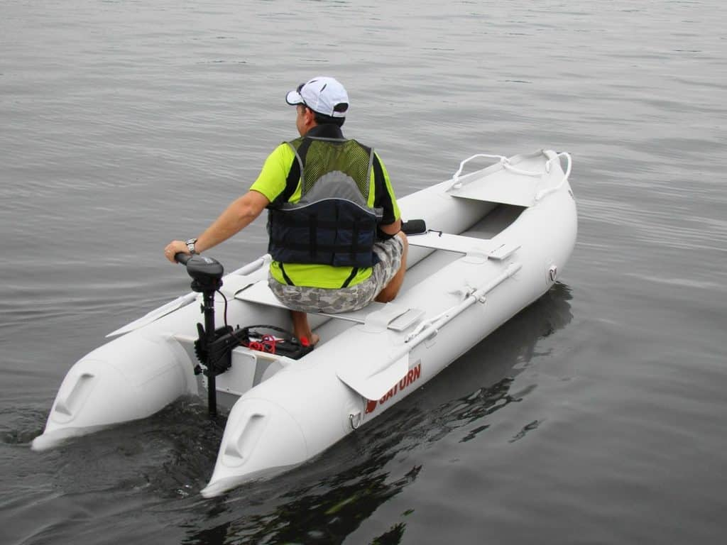 Best Trolling Motors: Buying Guide & Reviews For 2021