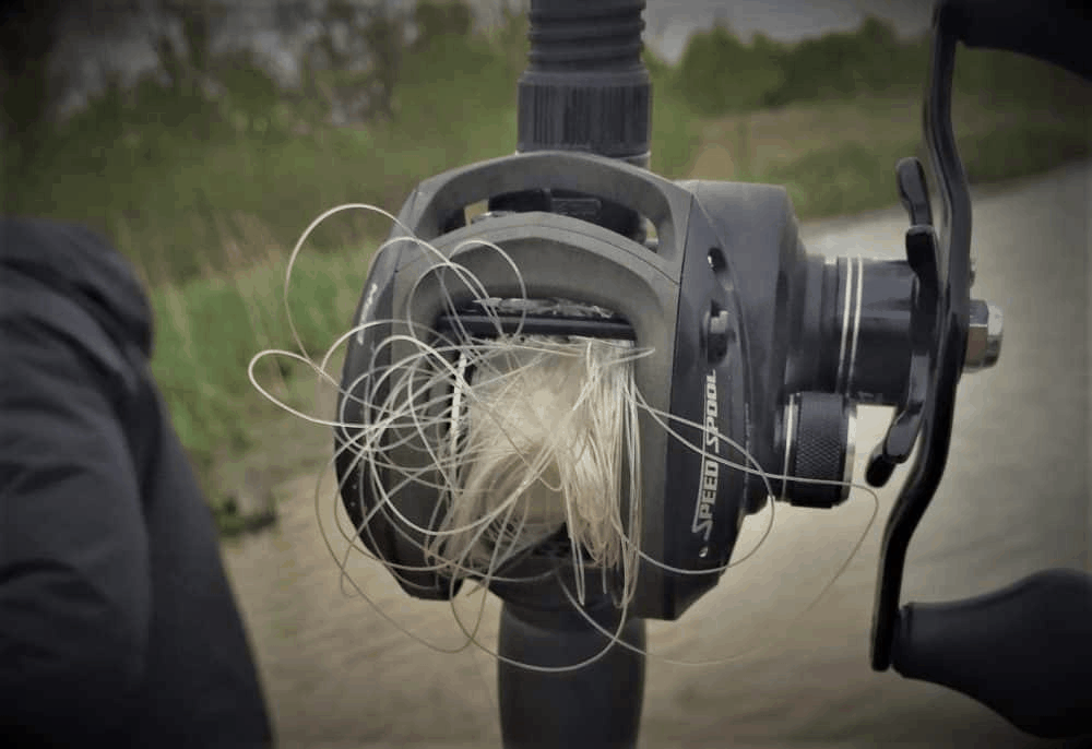 tangled baitcasting reel